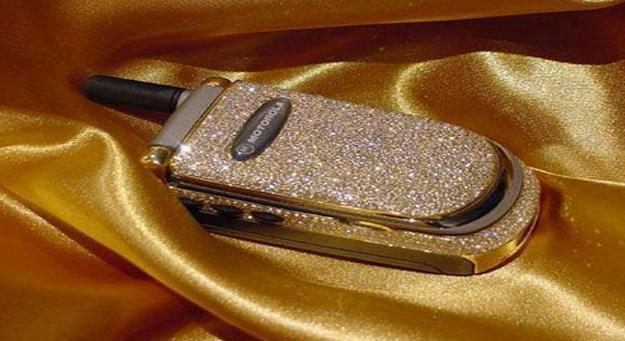 Motorola V220 قیمت :28 هزار  پوند