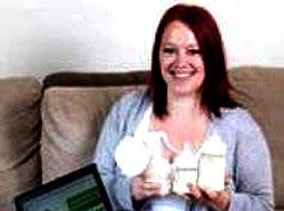 مادری که شیر تازهاش را در اینترنت میفروشد!