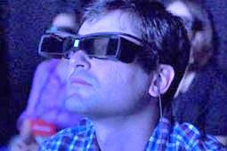 عینکهای سونی زیرنویس فیلمها را مقابل چشم ناشنوایان قرار میدهد