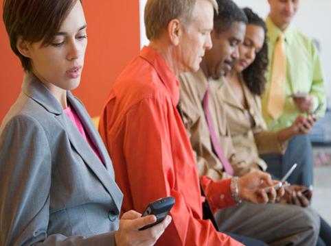 تلفنهمراه باعث حواسپرتی میشود