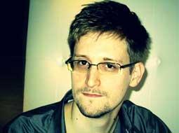 اسنودن: هیچ سند محرمانهای به روسیه نیاوردهام
