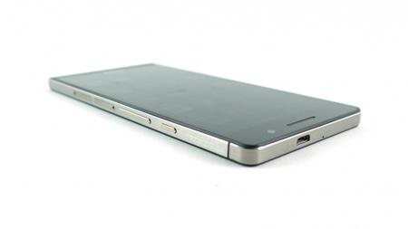 12- گوشی هوشمند Huawei Ascend P6 که از فناوری ارتباطی NFC و 4G هم پشتیبانی میکند