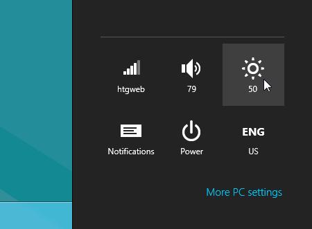 برای کاهش نور میتوانید از کلیدهای میانبر استفاده کنید که برای هر لپتاپ متفاوت است و یا مانند شکل در ویندوز 8 از بخش Setting اقدام نمایید