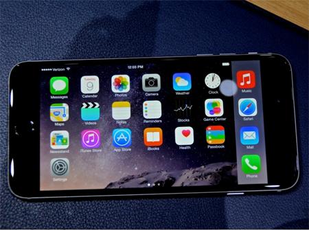 این گوشی هوشمند با تراشه مرکزی A8 سرویسهای ویژه مخصوص تناسب اندام را در اختیار کاربران میگذارد