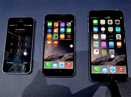 در مقایسه با گوشی هوشمند iPhone 5S باید گفت که اپل سعی کرده است شکل ظاهری این محصول را نسبت به مدلهای قبلی عوض کند