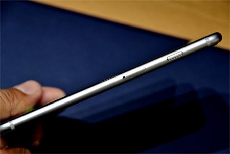 این گوشی با کیفیت 1080 پیکسل با سرعت 60 فریم در ثانیه و با کیفیت 720 پیکسل با سرعت 240 فریم در ثانیه تصویربرداری میکند