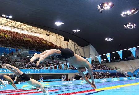 شنا: استخر مسابقات شنای المپیک در مرکز Aquatics به انواع فناوریهای شرکت بریتانیایی Devin Consulting مجهز بود