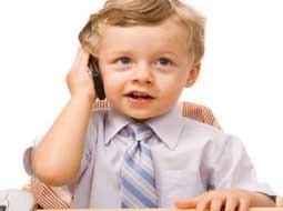 کودکان را با تبلت و موبایل آرام نکنید