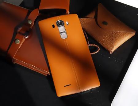 3- LG G4 - سیستم عامل:  اندروید 5.1 - سایز صفحه نمایش: 5.5 - حافظه داخلی: 3 GB- کارت حافظه: 32 GB- دوربین: 16 MP - دوربین جلو: 8 MP