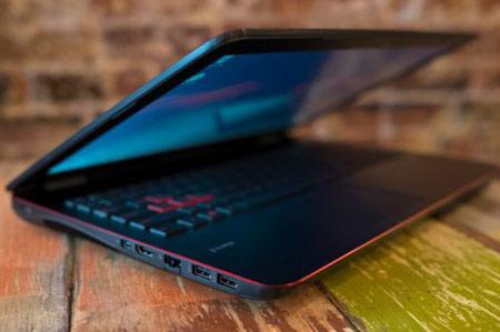 6- Asus ROG GL551؛ بهترین لپتاپی که برای بازیها در دسترس شما قرار دارد!