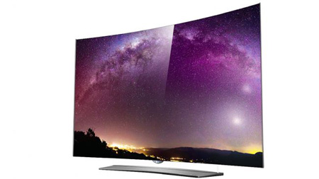 3- LG 55EG960V؛ اگر هنوز به فکر خرید یک تلویزیون OLED نیستید، لذت تماشا با این تلویزیون شما را تشویق به خریدش میکند!