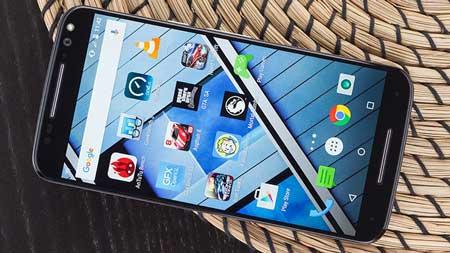 1- Motorola-Moto-X-Pure-Edition-(Unlocked)؛ گوشی motorola moto X دارای یک صفحه نمایش 5.7 اینچی با TFT LCD و 520 پیکسل در هر اینچ ، با جزئیات واضح و تولید مثل رنگ خوب شما را متق