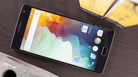 2- OnePlus-2؛ ممکن است در تنظیمات السیدی full hd 5.5 اینچی وانپلاس 2 شگفت زده نشوید اما هرگز نباید به کیفیت آن شک کنید