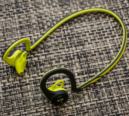 3- Plantronics BackBeat Fit