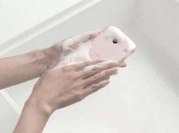 موبایلتان را با آب داغ بشویید!