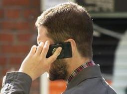 در خیابانهای هونولولو موبایل دستتان نگیرید!