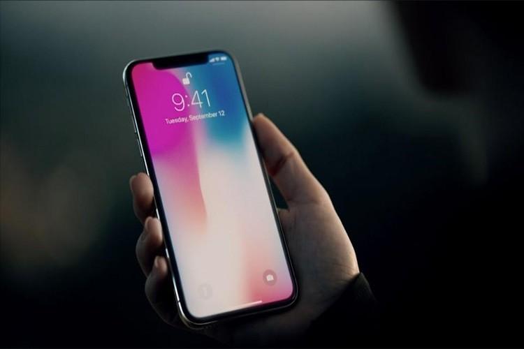 فشار بر روی اپل موجب تغییر برنامه عرضه آیفون X شد