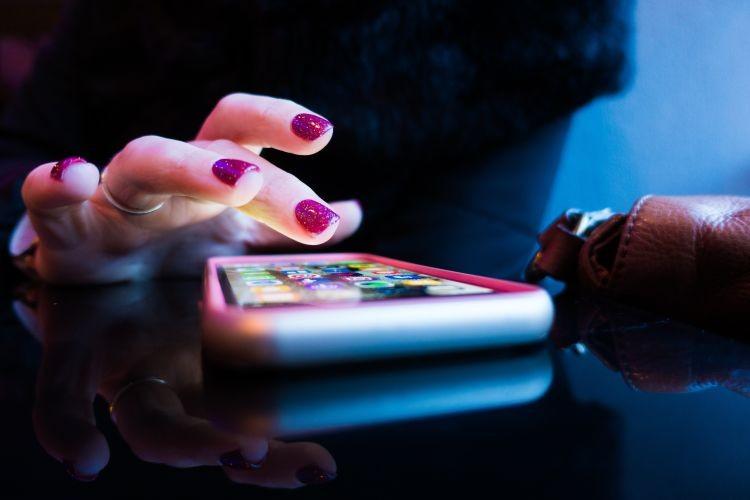 تلفن همراه هوشمند، دمار از محیط زیست در می آورد!