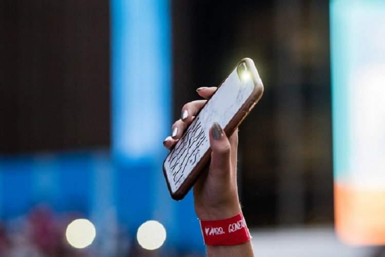 با اشباع بازار گوشی های همراه، آینده پیش روی اپراتورهای موبایل چیست؟
