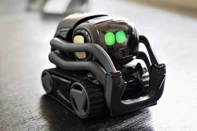 رباتی شبیه WALL-E که با شما همذات پنداری میکند!