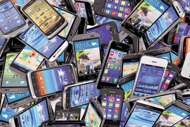 سقوط بازار فروش گوشیهای هوشمند در جهان