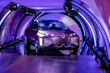 گزارشی از یک خودروی خودران مفهومی BMW