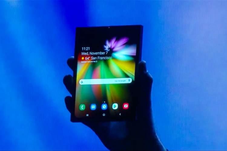 معرفی نخستین گوشی سامسونگ مجهز به نمایشگر منعطف + ویدیو