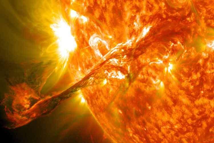 فورانهای پلاسمای خورشیدی