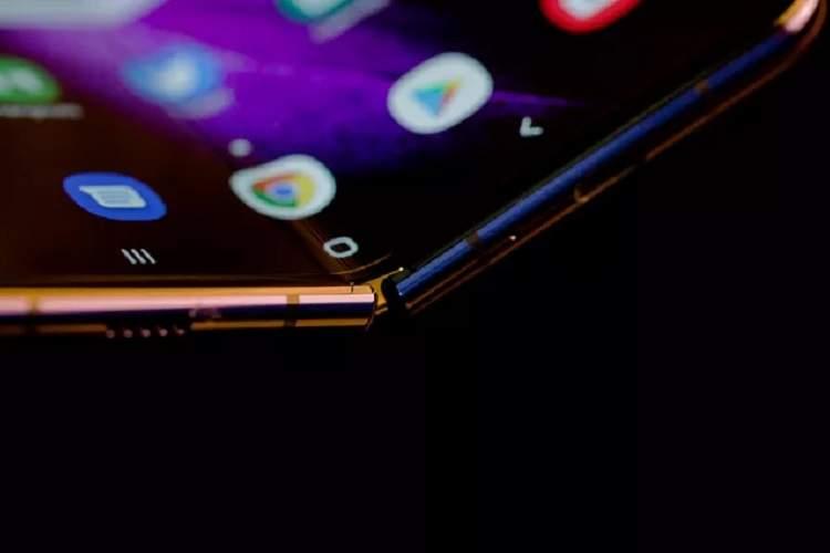 طرح گوگل برای بهبود گوشیهای تاشو و دوربینهای سلفی پاپآپ