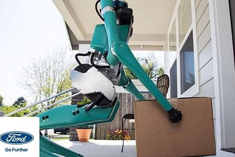 ربات دوپای فورد را ببینید که قدمزنان بستهها را دم در خانهتان میآورد + ویدئو