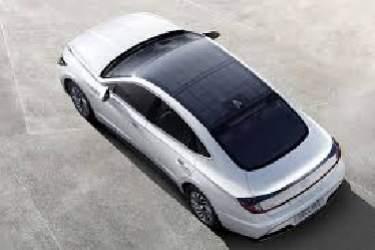 آغاز عرضه نخستین خودرو با سقف مجهز به سلول خورشیدی در کره