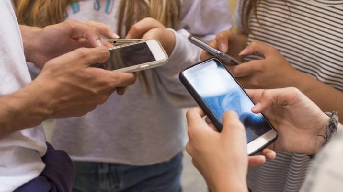 کاربران نوجوان شبکه های اجتماعی