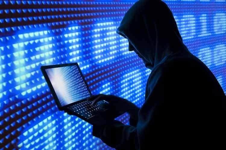 تهدید و باجگیری هکرها برای افشا نکردن اطلاعات ترامپ!