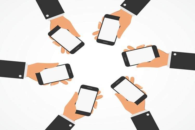پیامرسانها و شبکههای اجتماعی چه تاثیری بر درآمد اپراتورها میگذارند؟