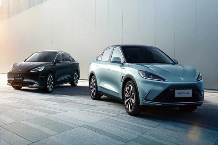 هواوی با همکاری شرکت خودروسازی BAIC اولین خودروی بنزینی و سیستم عامل هارمونی را معرفی میکند